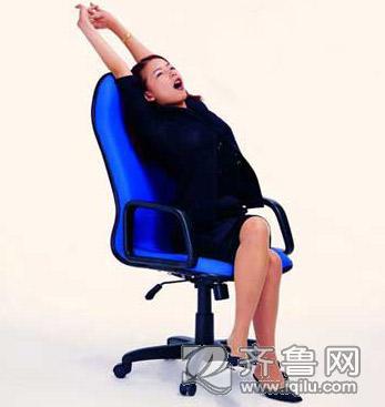 上班空闲短时间的减肥小动作